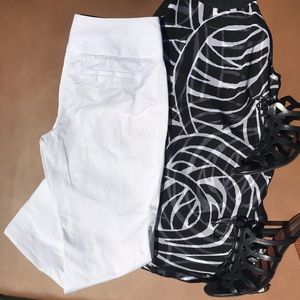 Express Design White Capri Pants Size 00